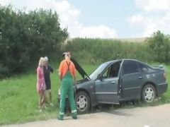 Car Trouble Leads To Mature Threesome In Car