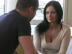 Orgasms XXX video: a woman in need
