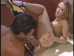 Blond floozy acquires her constricted arsehole stuffed with 3 fingers