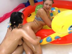Judit and Vanessa Vaughn have atm ffm action