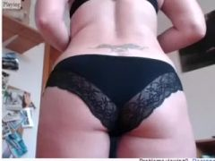 Whorish tattooed hottie exposes her excellent body on web camera