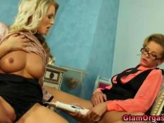 Lesbo pussy vibrator glam babes video 2