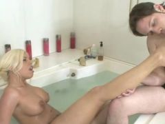 Britney Amber Boff A Man\'s Bald-headed Mouse On Tub