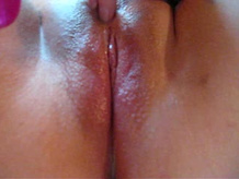 Self pleasing close-up wet dripping nicecunt