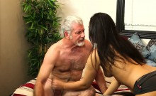 Babe facial from masseur