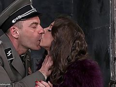 200370 - Foxy Di Fucked By The Policeman