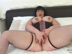 Andi XXX Stripping And Blowing Penis