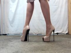 LEGS ON STILETTOS