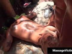 Hot buffed dude gets oiled up for gay clip