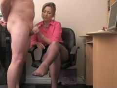 Office hotty using her hands to please