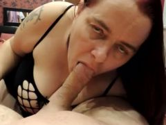 M00NM1N giving blow and hand job