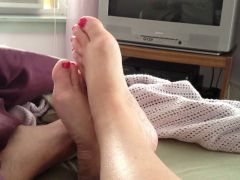 wifes feet,unshaved wet crack,soft boobs, takes a lot to wake her.
