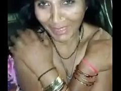 Desi mature homely bhabhi boobs exposed by BF=wid audio