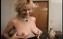 Sex inside her dripping mature pussy