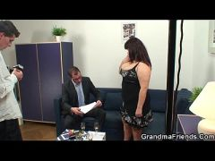 Chubby mommy is double dicked after photosession  HD