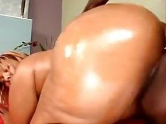 Oiled Up Ebony Goddess Is A Ton Of Sexual Satisfaction