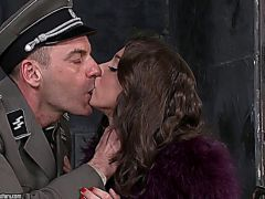 200370 - Foxy Di fucked by the policema