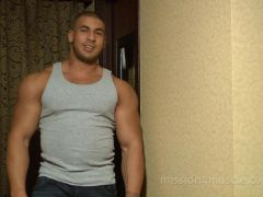 Muscle Worship flexing nude