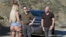 kissa sins Beautiful blonde in handcuffs fucking with driver