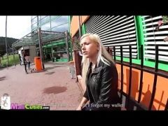 Mallcuties - young czech girls fucking on public