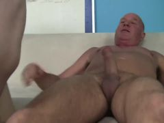 Dude likes young shaved pussy