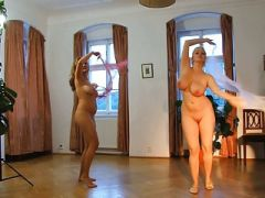 Naked Women. Erotic Dance.